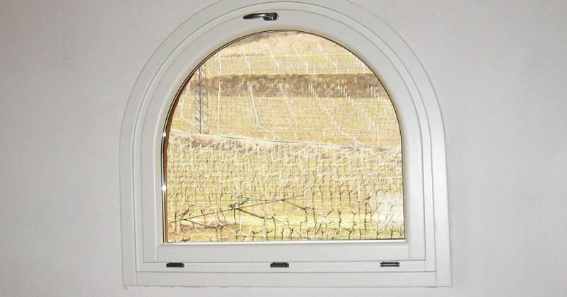 Interno di finestra in legno alluminio