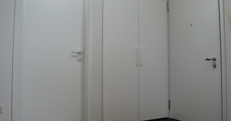 Blindato porta e ante mobile laccati