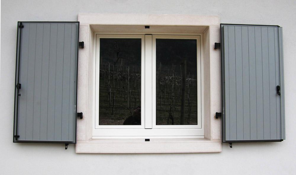 Sistemi oscuranti falegnameria murari snc - Finestre esterne in alluminio ...