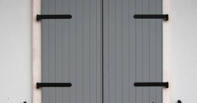 Scuri in alluminio tipo dogato verticale