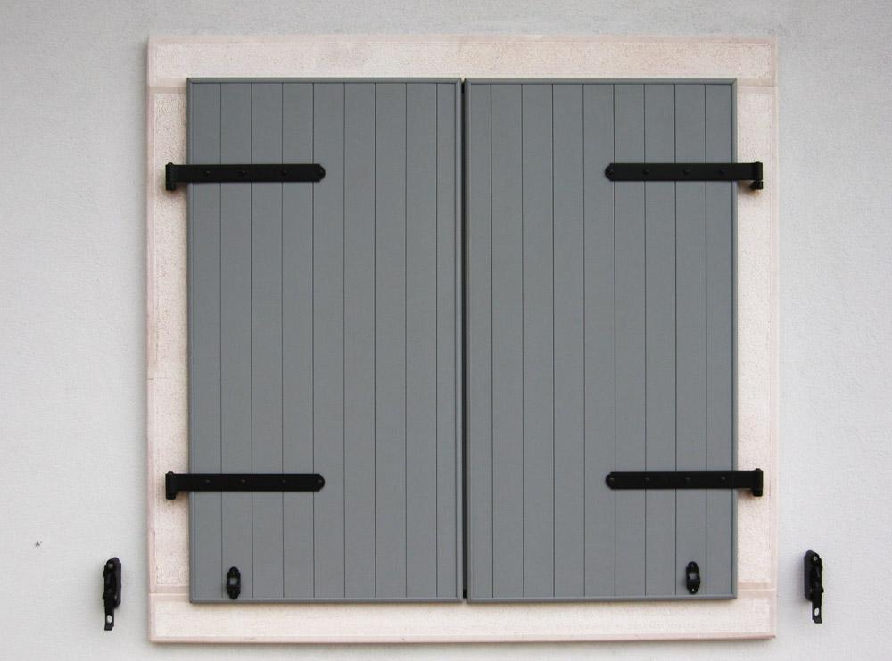 Sistemi oscuranti falegnameria murari snc - Griglie per finestre esterne ...